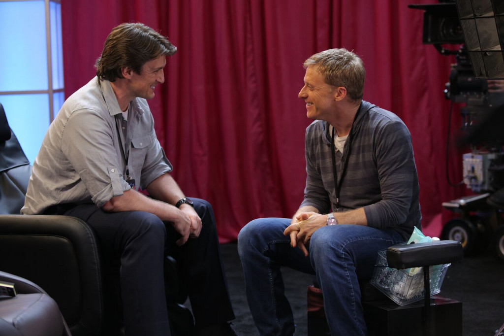"Jack Moore (Nathan Fillion) and Wray Nerely (Alan Tudyk)  talk at the Shock-A-Con on ""Con Man"" season 2. (Comic-Con HQ.)"
