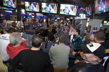 monday-night-football-bars