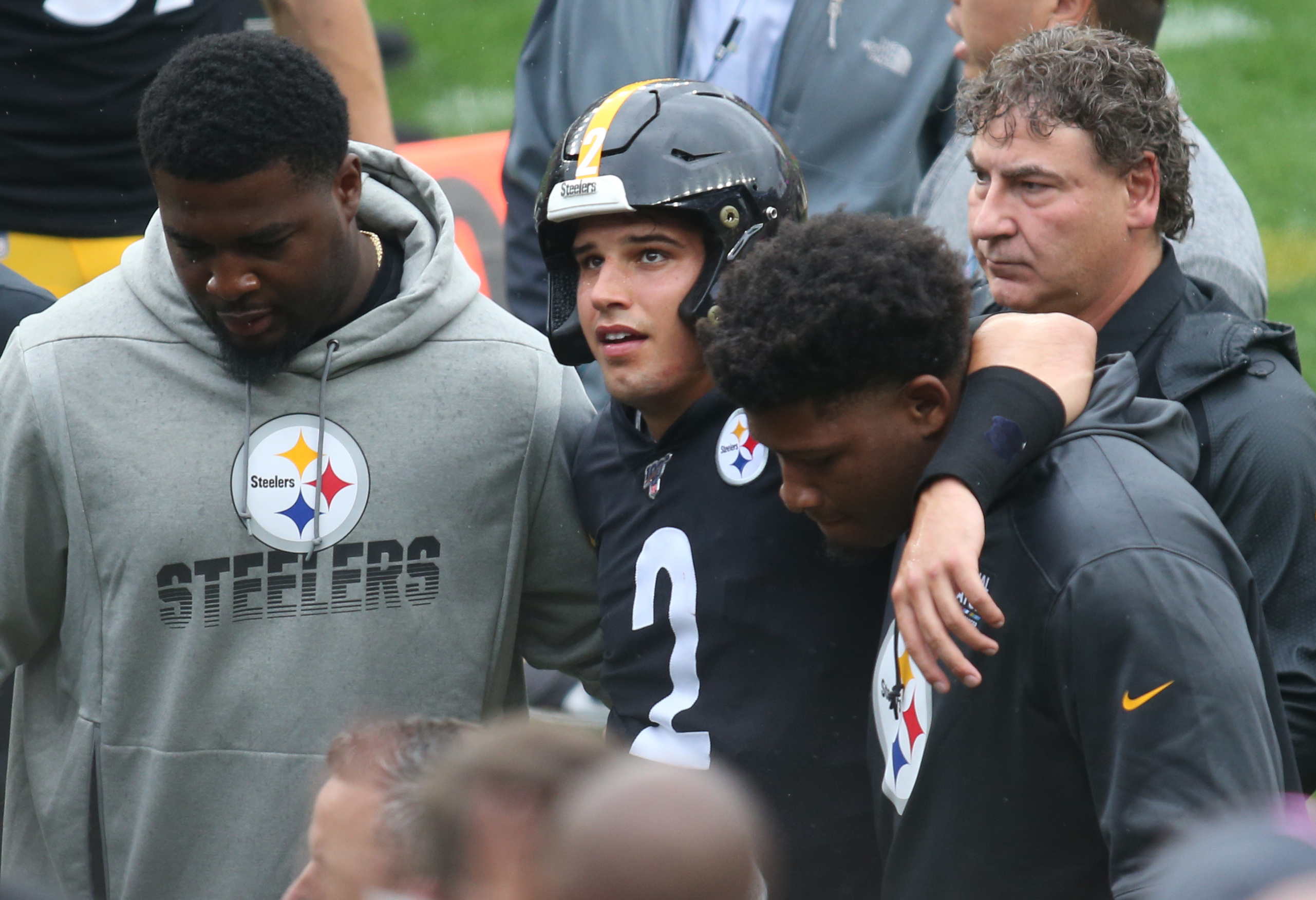 Steelers Qb Mason Rudolph Knocked Unconscious On Hit By Ravens Leaves Game With Concussion
