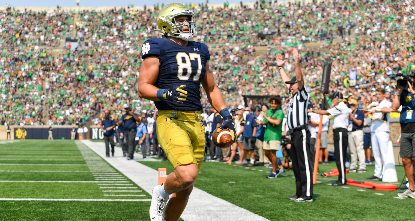 No. 8 Notre Dame rallies back to beat Toledo with late touchdown